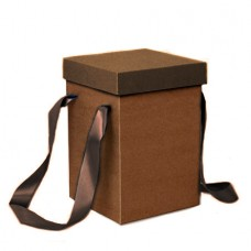 Коробка с лентой ср. 17*17*25